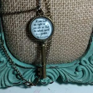 Jewelry - Secret Garden Necklace